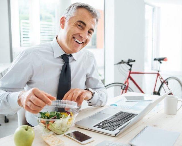 Saiba mais sobre alimentao que ajuda a melhorar o humorhellip